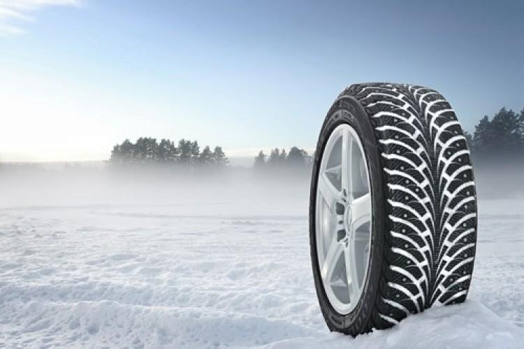 Новый закон обяжет водителей менять летнюю резину на зимнюю
