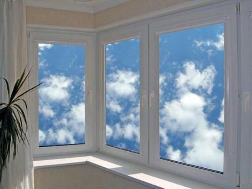 Лучший вариант для остекления балкона - алюминиевые оконные конструкции
