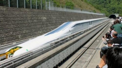 На испытаниях поезд Maglev L0 на магнитной катушке развил скорость до 500 км/час