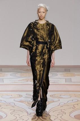 Коллекция платьев от Ирис ван Херпен и Джолана ван дер Виля 05