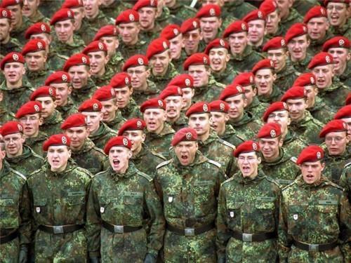строй военных