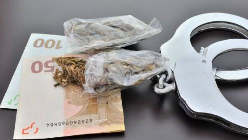 ЕС обязал своих членов отчитываться о доходах сутенёров и наркоторговцев