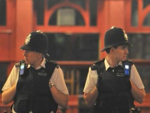 Полицейским Англии оплачивают комариные укусы и падения с лестницы