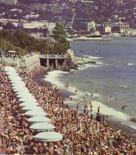 yalta_crimea_03_city_beach