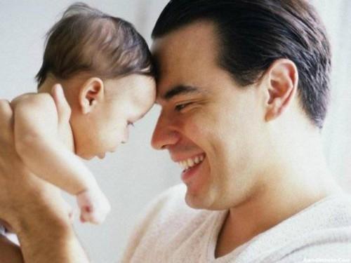 Чтобы сделать успешную карьеру, мужчинам надо иметь детей