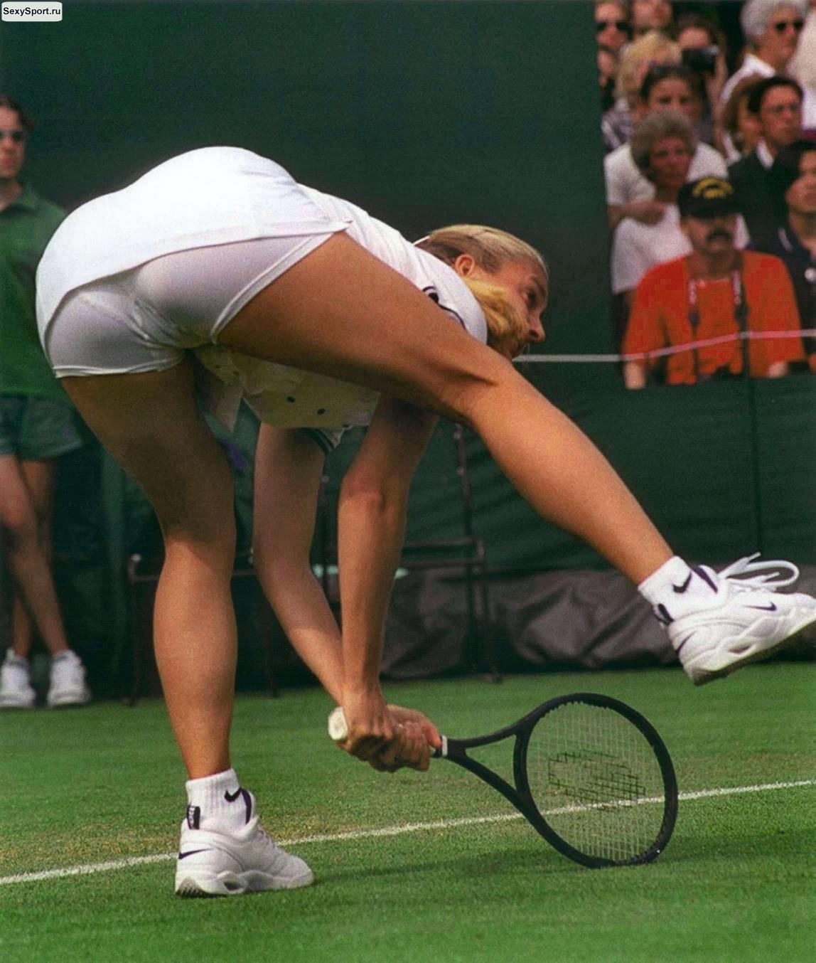 Эротические курьезы в спорте 21 фотография