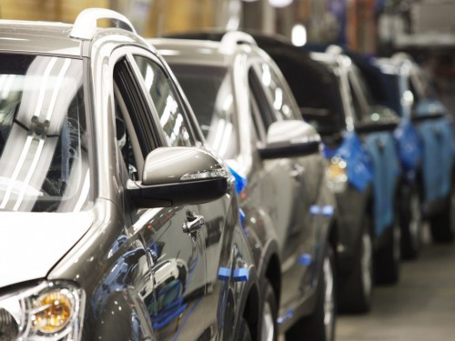 Объемы продаж автомобилей в Украине постепенно сокращаются