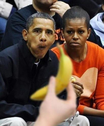 ОБама с бананом
