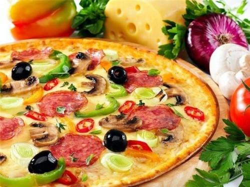 Пицца является абсолютным лидером среди всех блюд, заказываемых с доставкой на дом