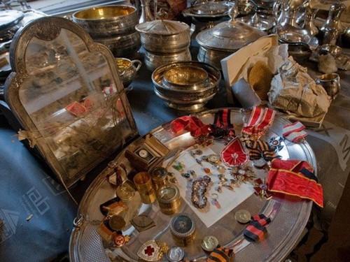 В Москве вниманию публики предложили ювелирные украшения из коллекций Гохрана