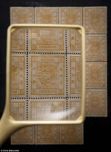 Китайские почтовые марки стоимостью в £ 250 000 сотню лет пылились среди хлама не чердаке