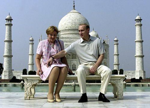Владимир и Людмила Путины официально объявили о разводе