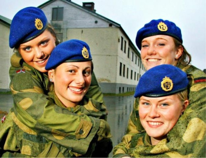 Секс в армейских казармах
