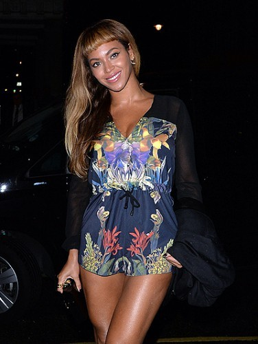 Singer Beyonce and Jay-Z enjoy a night out at Harry's Bar in London