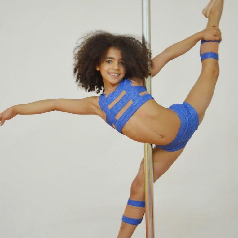 еротическое фото девочек гимнасток