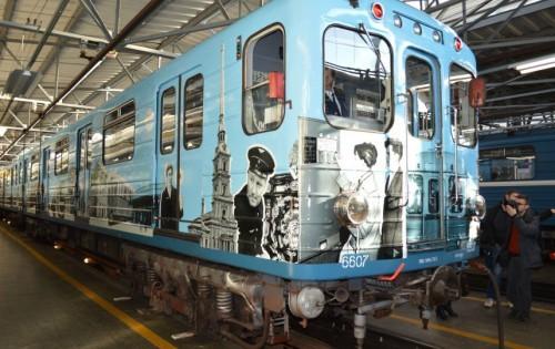 ретропоезд метро в ПИтере1
