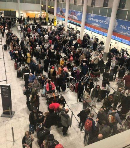 Лондонский аэропорт Гатвик вновь приостановил работу из-за дрона
