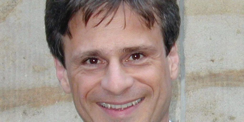 немецкий эпидемиолог Александр Кекуле